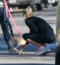 Reese_Witherspoon_cute_ass_in_tight_spandex_while_out_for_a_walk_in_Pacific_Palisades_006.jpg