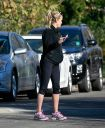 Reese_Witherspoon_cute_ass_in_tight_spandex_while_out_for_a_walk_in_Pacific_Palisades_010.jpg