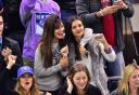 Victoria_Justice_at_the_Toronto_Maple_Leafs_vs_New_York_Rangers_game_in_NY_032.jpg