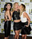 Willa_Holland_Arrow_press_line_at_Comic_Con_in_San_Diego_011.jpg