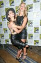 Willa_Holland_Arrow_press_line_at_Comic_Con_in_San_Diego_034.jpg