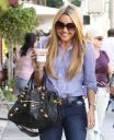 Amanda_Bynes_tight_top_tight_jeans_0006.jpg